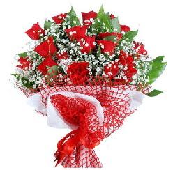 11 kırmızı gülden buket  Iğdır çiçekçiler güvenli kaliteli hızlı çiçek