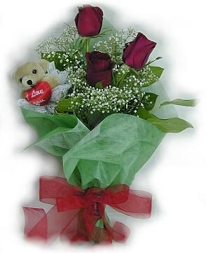 3 adet gül ve küçük ayicik buketi  Iğdır Hoşhaber çiçek servisi , çiçekçi adresleri