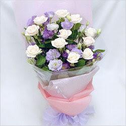 Iğdır Enginalan uluslararası çiçek gönderme  BEYAZ GÜLLER VE KIR ÇIÇEKLERIS BUKETI