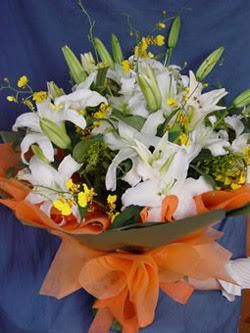 Iğdır Enginalan uluslararası çiçek gönderme  5 ADET KAZABLANKA BUKETI KALITEDEN SASMAYANLARA
