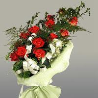 Iğdır Cumhuriyet çiçek siparişi vermek  11 adet kirmizi gül buketi sade haldedir
