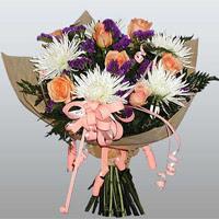 güller ve kir çiçekleri demeti   Iğdır Akyumak 14 şubat sevgililer günü çiçek