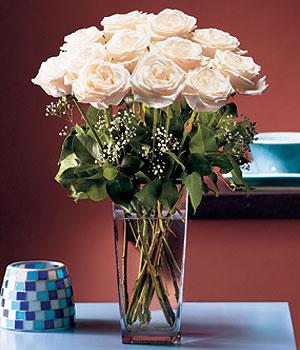 Iğdır çiçek gönder online çiçekçi , çiçek siparişi  Cam yada mika vazo içerisinde 12 gül