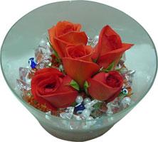 Iğdır çiçekçiler güvenli kaliteli hızlı çiçek  5 adet gül ve cam tanzimde çiçekler