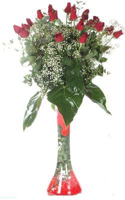 Iğdır Kasımcan kaliteli taze ve ucuz çiçekler  19 ADET GÜL VE FIL CAM AYAGI
