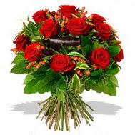 9 adet kirmizi gül ve kir çiçekleri  Iğdır Enginalan uluslararası çiçek gönderme