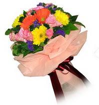 Iğdır Halfeli cicek , cicekci  Karisik mevsim çiçeklerinden demet