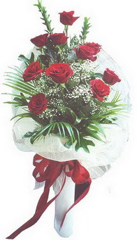 Iğdır Aşağı erhacı online çiçek gönderme sipariş  10 adet kirmizi gülden buket tanzimi özel anlara