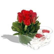 Mika kalp içerisinde 9 adet kirmizi gül  Iğdır Aralık İnternetten çiçek siparişi