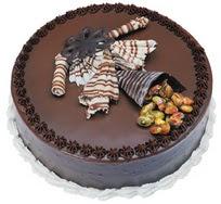Çikolatali yas pasta 4 ile 6 kisilik  leziz  Iğdır karakoyunlu çiçek gönderme sitemiz güvenlidir