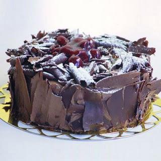 pasta yolla 4 ile 6 kisilik visneli çikolatali yas pasta  Iğdır Obaköy cicekciler , cicek siparisi