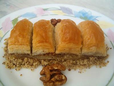 online pastane Essiz lezzette 1 kilo cevizli baklava  Iğdır Hoşhaber çiçek servisi , çiçekçi adresleri