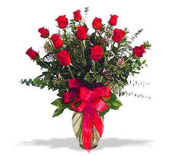 çiçek siparisi 11 adet kirmizi gül cam vazo  Iğdır Karakuyu çiçek online çiçek siparişi