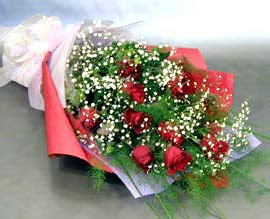 10 adet kirmizi gül çiçegi gönder  Iğdır çiçek yolla yurtiçi ve yurtdışı çiçek siparişi