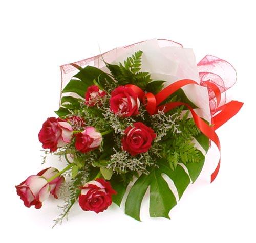 çiçek gönder 7 adet kirmizi gül buketi  Iğdır Tuzluca çiçek yolla