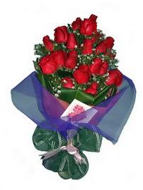 12 adet kirmizi gül buketi  Iğdır Karakuyu çiçek online çiçek siparişi