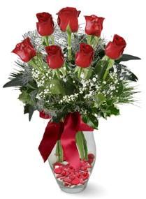 7 adet vazoda gül  Iğdır Enginalan uluslararası çiçek gönderme  kirmizi gül