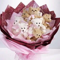9 adet ayiciktan buket  Iğdır Melekli anneler günü çiçek yolla