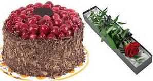 1 adet yas pasta ve 1 adet kutu gül  Iğdır Kasımcan kaliteli taze ve ucuz çiçekler