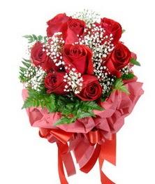 9 adet en kaliteli gülden kirmizi buket  Iğdır Aralık İnternetten çiçek siparişi