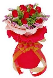 Iğdır Yaycı çiçek mağazası , çiçekçi adresleri  8 Adet kirmizi güllerden buket tanzimi