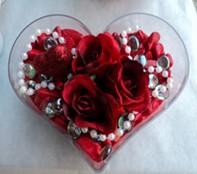 Iğdır Hoşhaber çiçek servisi , çiçekçi adresleri  mika kalp içerisinde 3 adet gül ve taslar
