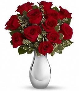 Iğdır Özdemir hediye sevgilime hediye çiçek   vazo içerisinde 11 adet kırmızı gül tanzimi