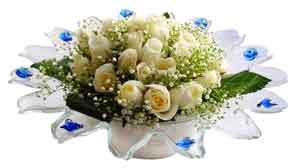 Iğdır çiçekçiler , çiçek yolla , çiçek gönder , çiçekçi   11 adet Beyaz güller özel cam tanzim
