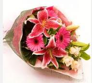 1 dal kazablanka ve mevsim çiçekleri  Iğdır Melekli anneler günü çiçek yolla