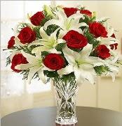 12 adet kırmızı gül 2 dal kazablanka vazosu  Iğdır 7 kasım çiçekçiler