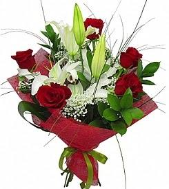 1 dal kazablanka 5 kırmızı gül buketi  Iğdır Tuzluca çiçek yolla