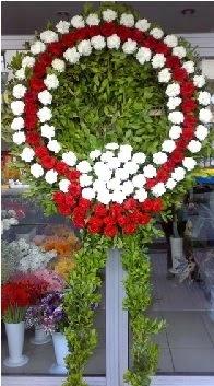 Cenaze çelenk çiçeği modeli  Iğdır çiçek yolla yurtiçi ve yurtdışı çiçek siparişi