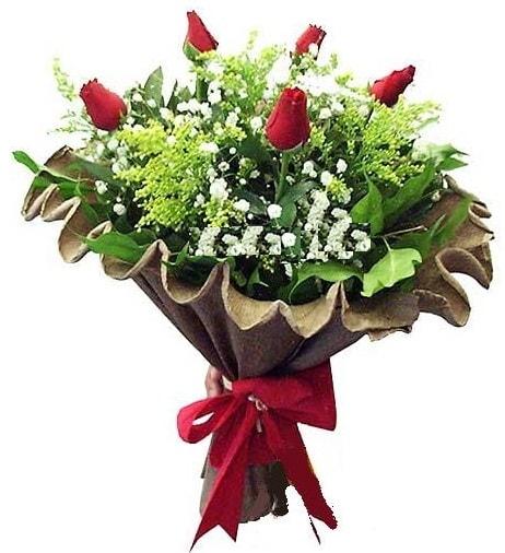 5 adet gülden buket  Iğdır 14 kasım hediye çiçek yolla