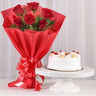 6 Kırmızı gül ve 4 kişilik yaş pasta  Iğdır Konaklı internetten çiçek siparişi