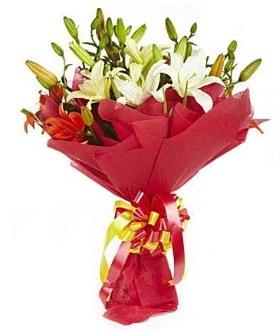 5 dal kazanlanka lilyum buketi  Iğdır 14 kasım hediye çiçek yolla